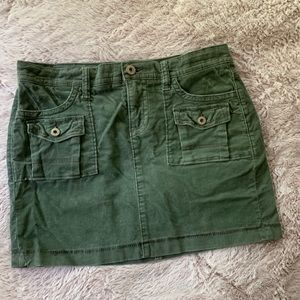 3 for $15 Old Navy Green Mini Corduroy Skirt 8